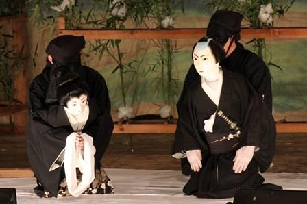 Так выглядят Куроко. Театр Кабуки.