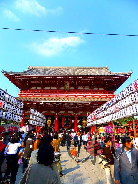 Вход в храм Сэнсо-дзи.