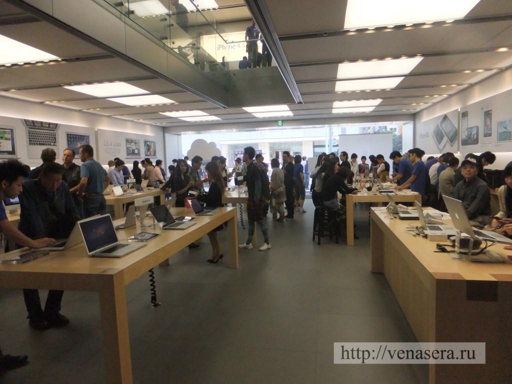 1 этаж в Apple Store, Ginza.