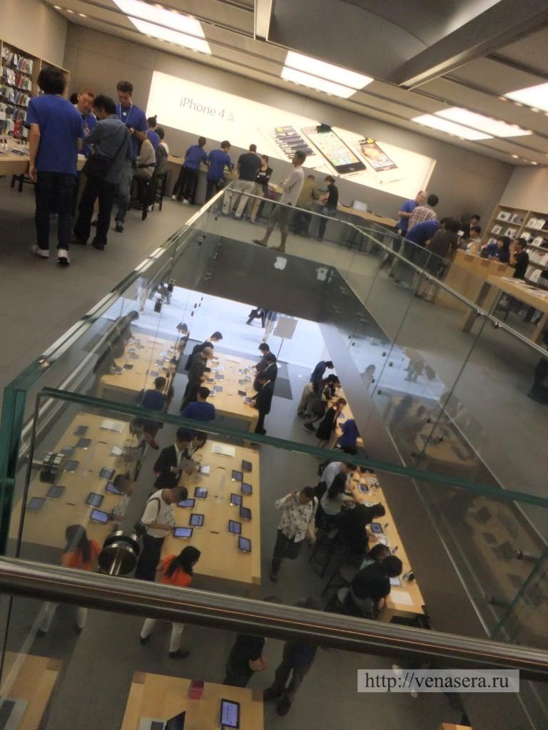 2 этаж в Apple Store, Ginza.