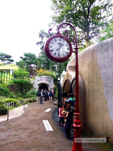 Часы в музее Гибли