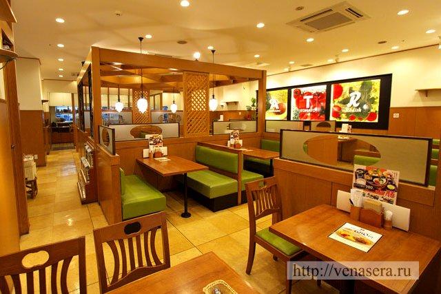Семейный ресторан в Японии. Японский ресторан.