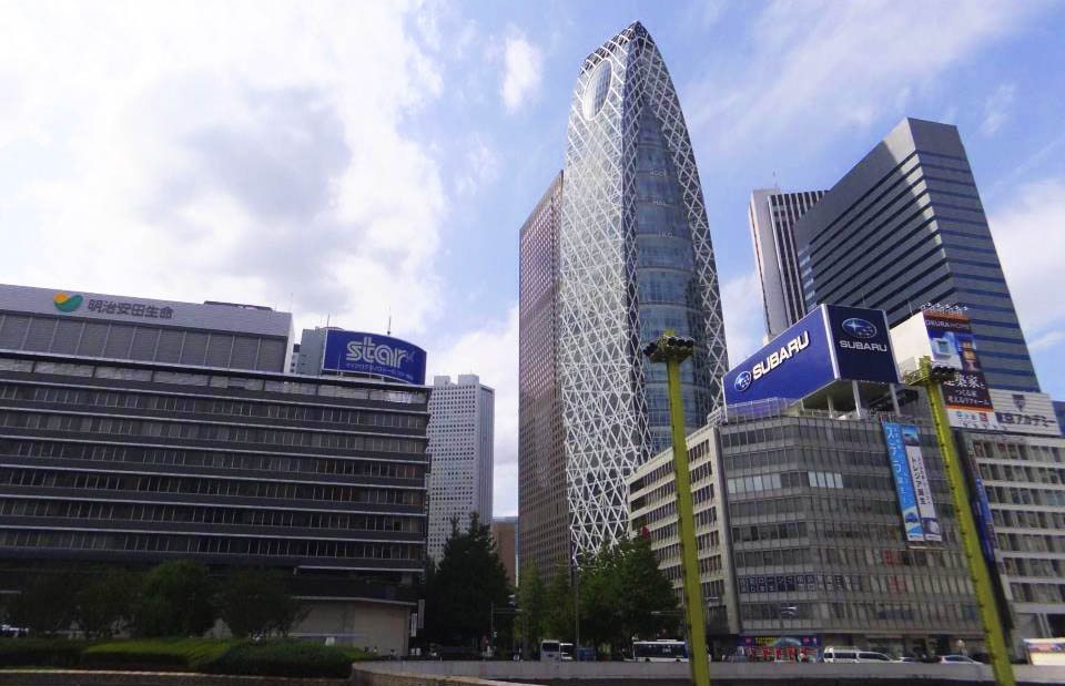 Западный выход (JR西口)